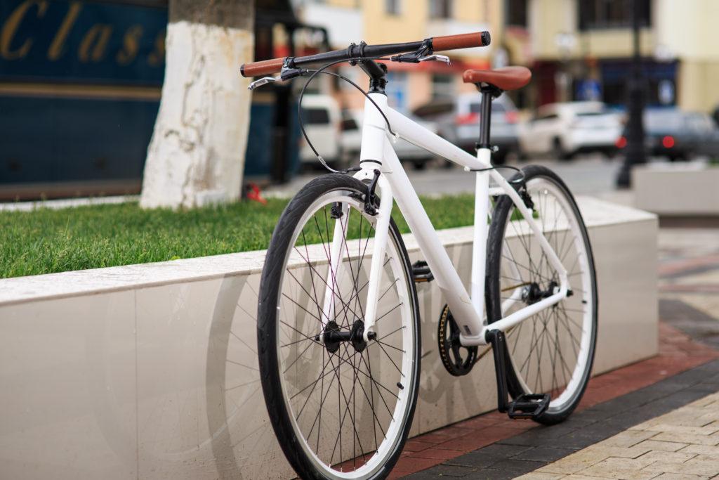 bici da corsa vs bici a scatto fisso